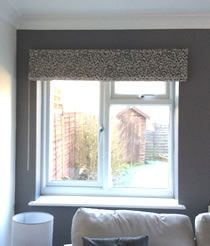 Roman Blind made using Sew-Helpful's How to make a Roman Blind Tutorial, FREEonline instructionsand advice from a professional workroom, maker said - my blind turned out, as good as a custom made shop-bought one I have in another room.