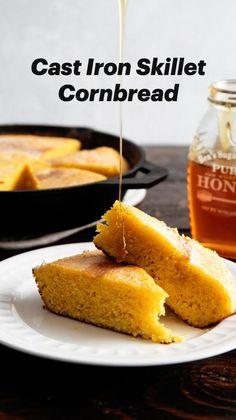 Cast Iron Skillet Cornbread, Iron Skillet Recipes, Cast Iron Recipes, Skillet Meals, Healthy Cornbread, Jiffy Cornbread Recipes, Honey Cornbread, Dinner Dishes, Food Dishes