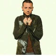 """Gefällt 323 Mal, 4 Kommentare - Chester Linkin Park (@chesterbe8) auf Instagram: """" - - - - #ripchesterbennington #makechesterproud #chesterbennington #ripchester #linkinpark…"""""""
