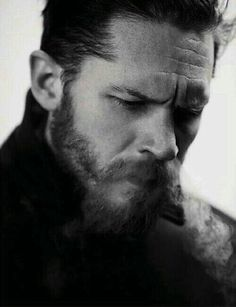 Tom Hardy by Greg Williams. :O can't beat a bit a tom hardy frowning action Tom Hardy Bart, Look At You, How To Look Better, Gorgeous Men, Beautiful People, Hello Gorgeous, Greg Williams, Sir Anthony Hopkins, Joseph Gordon Levitt