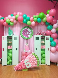 17th Birthday Party Ideas, Zombie Birthday Parties, 50th Birthday Decorations, Zombie Party, 8th Birthday, Circus Decorations, Mermaid Party Decorations, Garland Decoration, Wedding Decorations