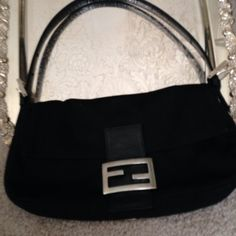 Fendi bag The classic black Fendi bag FENDI Bags