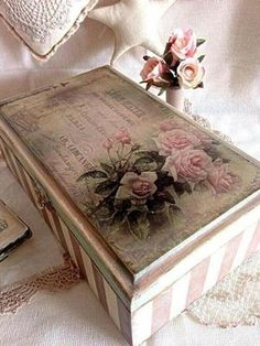 Shabby Chic and Interior Design - Shabby Chic Decor - Decoupage Vintage, Decoupage Paper, Shabby Chic Crafts, Shabby Chic Interiors, Shabby Chic Decor, Painted Trays, Painted Boxes, Wooden Box Crafts, Jewelry Box Makeover