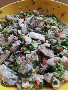 Learn to make the best Pudding and Souse in Barbados with our recipe. Barbados' longest traditional Saturday lunch for many Bajans. The souse is essentially pickled pork and the pudding is steamed sweet potato with chunks of breadfruit. Barbados, Souse Recipe, Bajan Recipe, Steamed Sweet Potato, Caribbean Recipes, Caribbean Food, Indian Food Recipes, Ethnic Recipes, Island Food