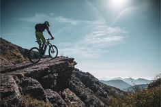 Are you shopping for a mountain bike that can move with speed and comfort? The problem with many mountain bikes, especially when they only have shocks in the fork, is that they can really hurt your backside and your body in general. All those bumps and impacts can really take a toll. This article reviews some of the best full-suspension mountain bikes that will absorb as much impact as possible, so you can ride Full Suspension Mountain Bike, Mountain Biking, Fork, Advice, Travel, Shopping, Mountain Bike Full Suspension, Viajes