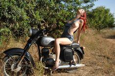 naked girls on motor bikes: 70 thousand results found on Yandex. Biker Chick, Biker Girl, Motocross Tattoo, Deadly Animals, Motorbike Leathers, Stunt Bike, Vans Girls, Hot Bikes, Cars And Motorcycles