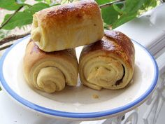 Pain au chocolat Dessert Thermomix, Thermomix Bread, Pain Thermomix, Cooking Time, Cooking Recipes, No Salt Recipes, Tasty Bites, Biscuit Recipe, Breakfast Recipes