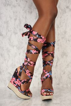 Black Floral Open Toe Wrap Around Platform Straw Wedges Source by shoes Hot Shoes, Crazy Shoes, Wedge Shoes, Women's Shoes, Wedge Heel Boots, Cute Wedges, Cute Heels, Prom Heels, Pumps Heels