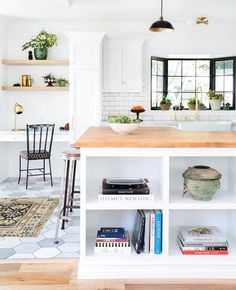 Home office modern farmhouse a modern farmhouse kitchen with a small home office nook by the . home office modern farmhouse New Kitchen, Kitchen Decor, Kitchen Ideas, Kitchen Paint, Kitchen Shop, Boho Kitchen, Kitchen Living, Kitchen Tips, Living Room