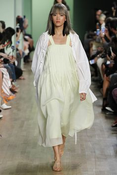 Pleats, please at Tibi Spring 2016