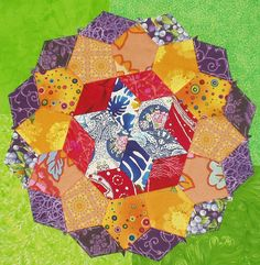 "English Paper Piecing by susinoss2001, via Flickr   Book ""Liesels Fünfecke"" from Hilde Klatt und Liesel Niesner"