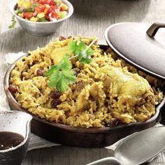 Winning chicken and rice dinner ready in 30 minutes! Easy Weekday Meals, Biryani, Coriander, Stir Fry, Fried Rice, Fries, Spicy, Chicken, Dinner