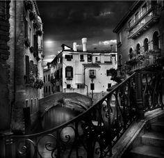 Pont 5, Venice    Jean-Michel Berts