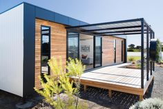 """The New Joneses"" get ready to live it up in a cutting-edge EcoLiv solar home"