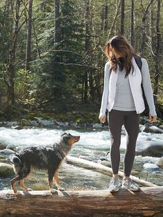 Hit the trails in the the highline hybrid 2.0. Now with a wider waistband, our ultimate cargo pant for trail-to-town explorations features cozy Trek Tech™ fabric on the inside and stretch Pilayo® for mobility on the backside.