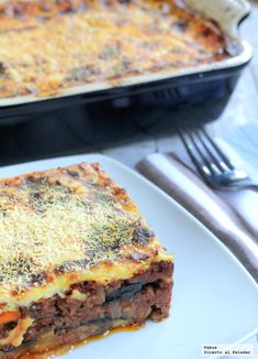 Moussaka Receta Griega Kitchen Recipes, Cooking Recipes, Healthy Recipes, Minced Beef Recipes, Boricua Recipes, Confort Food, Greek Cooking, Salty Foods, Carne Picada