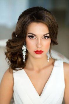Wedding Makeup Looks To Be Exceptional ❤ See more: www. Wedding Makeup Looks To Be Exceptional ❤ See more: www.weddingforwar… Wedding Makeup Looks To Be Exceptional ❤ See more: www. Wedding Hair Side, Hairdo Wedding, Bridal Hair And Makeup, Bride Makeup, Wedding Hair And Makeup, Hair Makeup, Bridal Hair Side Swept, Eyeliner Makeup, Makeup Geek