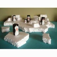 Could make the penguins out of TP tubes Snow Theme, Winter Theme, Winter Crafts For Kids, Art For Kids, Penguins And Polar Bears, Baby Penguins, Artic Animals, January Crafts, Penguin Craft