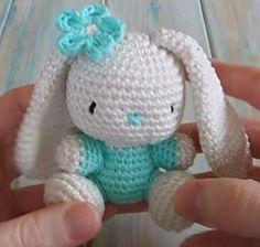 amigurumi bunny rabbit free pattern ༺✿ƬⱤღ http://www.pinterest.com/teretegui/✿༻