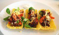 Taco tubs met zelfgemaakte mexicaanse kruiden. Hetzelfde als tacoschelpen, maar deze breken niet! Gevuld met gehakt. FODMAP, glutenvrij en lactosevrij.