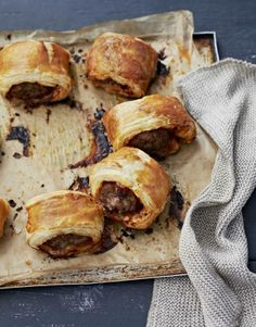 Lamb and Harissa Sausage Rolls / 35 Next-Level Appetizers For Your Holiday Party… Nibbles For Party, Appetizers For Party, Appetizer Recipes, Snack Recipes, Cooking Recipes, Relish Recipes, Cookbook Recipes, Yummy Recipes, Christmas Nibbles