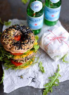 bagel-sandwich-med-hummus-avokado-og-tomat_00-3