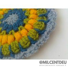 Mándala en verde amarillo gris y azul... Para acompañar un día de otoño  . #workinprogress #crochet #creative #hogar #ganchillo #workinprogress #cute #design #instacrochet #photo #crochetadict #crochetsheep #crochetlamb #diy #handmade #yarnlove #crochetersofinstagram #ilovecrochet #handmadebyme #personalproject #mcxhogar