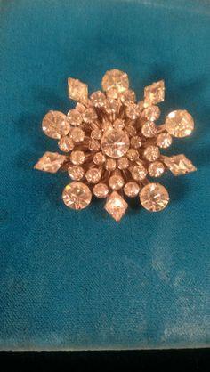 Vintage Art Deco very bright amazing condition multi dementional 3-D star burst rhinestone brooch wedding Gatsby prom