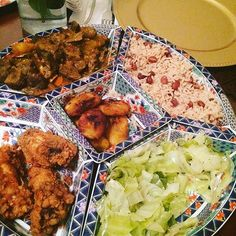 Who wishes this was their dinner? Recipes at http://jamaicans.com/recipes/  by @rileighskitchen211 #foodporn #jamaicanfood #recipe #riceandpeas #plantain #chicken #cabbage