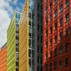 Central Saint Giles mixed development, London. Design by Renzo Piano, completed 2010. © ZAC + ZAC 2015