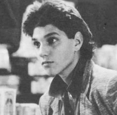 damn DIY Craft Ideas diy craft ideas for kids Ralph Macchio The Outsiders, The Karate Kid 1984, Kid Cobra, Shy Guy, Guy Drawing, 3 In One, Celebrity Crush, Cute Guys, Handsome