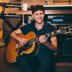 Niall Horan lanza nuevo single 'Slow Hands' - escúchalo!