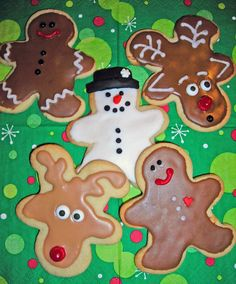 Create Reindeer, Snowman and Gingerbread Boy Cookies Using One Cutter