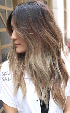 Pinterest: DeborahPraha ♥️ layered hair cut with loose waves hair style #hairstyles #haircuts