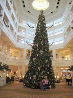 Christmas Time At The Walt Disney World Resorts - Couponing to Disney