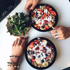 Acai bowl goodness with @songdani ❤️  also, with my newest jewelry line: http://rstyle.me/n/w932mbgzq7