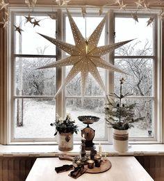 Nordic Christmas, Vintage Christmas, Christmas Diy, Christmas Decorations, Table Decorations, Holiday Decor, Advent, Star Magic, White Decor