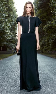Tory Burch 2013 Holiday - DIY embellishment for evening attire Evening Attire, Evening Dresses, Classy And Fabulous, Contemporary Fashion, Blouse Designs, Dress To Impress, Designer Dresses, Beautiful Dresses, Tory Burch