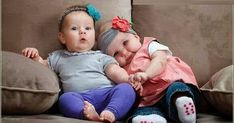 Even asking her what sou … – Baby Development Tips Twin Babies Pictures, Cute Baby Pictures, Baby Photos, Babies Pics, Cute Baby Twins, Baby Love, Baby Kids, 5 Month Baby Development, Cute Baby Wallpaper