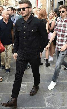 Estilo David Beckham, David Beckham Style, James Bond Suit, Men's Street Style Photography, Modern Mens Fashion, Fashion Essentials, Outfit Essentials, Badass Style, Hair And Beard Styles