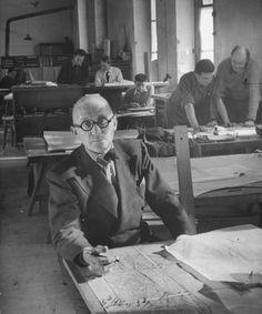 Le Corbusier in studio