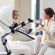 We love our Mima Xari strollers! A chic and elegant designer baby stroller where luxury protection and comfort meet  #ptbaby #mimakids #petittresor