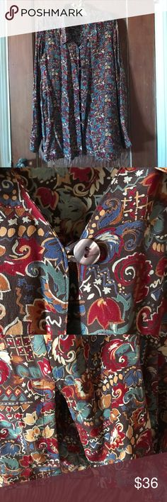 Quo-Silk, beautiful patterned silk blouse szS Quo-Silk beautiful 100% silk patterned blouse with button loops and artificial(?) abalone buttons. Side slits. Excellent condition. Quo-Silk Tops Blouses
