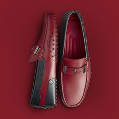 tod's for ferrari Chaussures Hommes Site Officiel online: chaussures, mocassins, sacs Mocassin Shoes, Wingtip Shoes, Loafer Shoes, Men's Shoes, Loafers Outfit, Loafers Men, Formal Shoes, Casual Shoes, Kicks Shoes