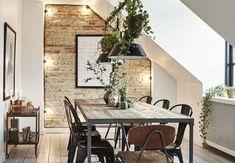 Den rå murstensvæg er et velkendt syn, og der er et væld af DIY-guides til, hvordan du får en lækker, rustik væg i dit eget hjem. Men før man kaster sig ud i det med hammer og mejsel, er her et par tips til, hvordan du indretter det bedst.