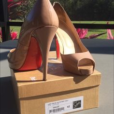 """Christian louboutin """"very prive"""" 120 pumps nude 42 NO TRADES!                                                              Very Prive 120 patent calf size 42 nude.   For sale: Christian Louboutin Very Prive nude pumps. They show wear inside from wearing comfort inserts but overall exterior condition is good. Small peel back area on the inside of both shoes as shown in pictures. Could be fixed by a cobbler or even glued back without notice. Comes with receipt and box plus extra heel studs…"""