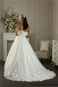#Plus #Size #wedding