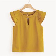 Blusa lisa de espalda con abertura de ojo con recorte | SHEIN México Kids Frocks Design, Short Tops, Printed Blouse, Blouses For Women, Cap Sleeves, Fashion News, Cool Outfits, Clothes, Fashion Dresses