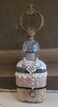 another of Lisa's gorgeous altered bottles!