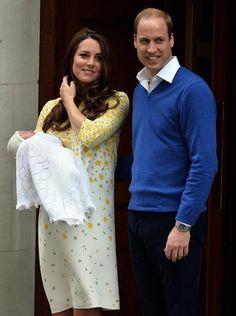 Jenny Packhamin herkkään keväiseen mekkoon ja nuden sävyisiin korkokenkiin pukeutunut Catherine vaikutti levänneeltä ja monen mielestä yllättävän pirteältä astellessaan julkisuuteen. Jenny Packham, Princess, Princesses